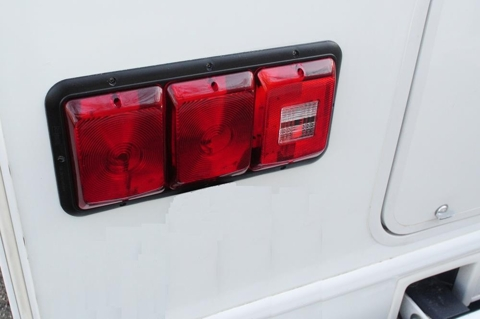 k1 upgrading the leaking tail lights the saga continues thor forums 2003 Sunseeker RV at nearapp.co